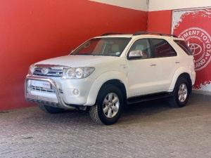 Toyota Fortuner 4.0 V6 automatic - Image 1