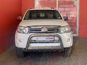 Toyota Fortuner 4.0 V6 automatic - Image 2