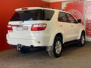 Toyota Fortuner 4.0 V6 automatic - Image 3