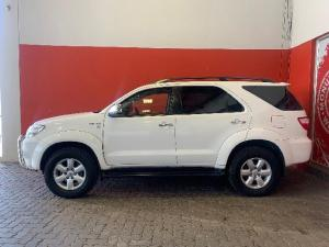 Toyota Fortuner 4.0 V6 automatic - Image 4