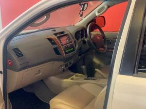 Toyota Fortuner 4.0 V6 automatic - Image 6
