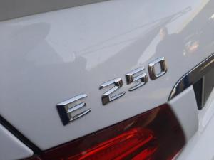 Mercedes-Benz E-Class E250 cabriolet - Image 11