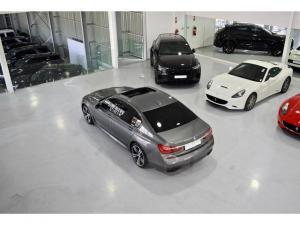 BMW 7 Series 730d M Sport - Image 19