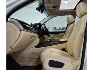 BMW X5 xDrive35i - Image 17