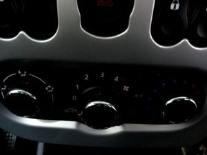 Nissan NP200 1.6 SES/C - Image 14