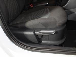 Volkswagen Polo Vivo 1.4 Comfortline - Image 17