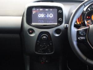 Toyota Aygo 1.0 X-Play - Image 11