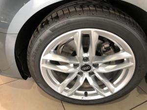 Audi A4 2.0T FSI Sport Stronic - Image 6