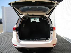 Toyota Fortuner 2.8GD-6 Raised Body automatic - Image 9