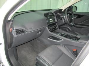 Jaguar F-Pace 20d AWD R-Sport - Image 10