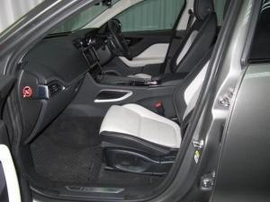 Jaguar F-Pace 20d AWD R-Sport - Image 22