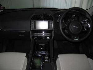 Jaguar F-Pace 20d AWD R-Sport - Image 24