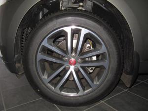 Jaguar F-Pace 20d AWD R-Sport - Image 30