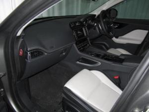 Jaguar F-Pace 20d AWD R-Sport - Image 18