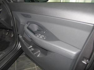 Jaguar E-Pace D240 AWD SE - Image 27