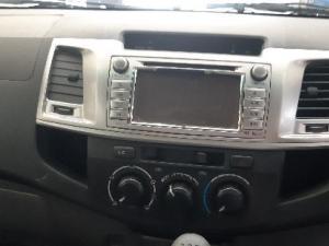 Toyota Hilux 3.0D-4D Xtra cab 4x4 Raider - Image 10