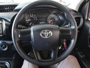Toyota Hilux 2.0 VvtiP/U Single Cab - Image 17