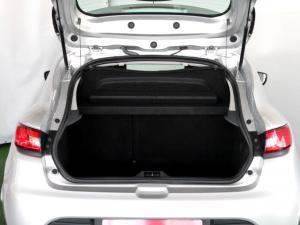 Renault Clio IV 1.2T Expression EDC 5-Door - Image 10