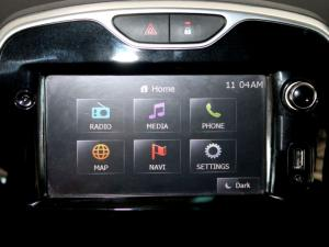 Renault Clio IV 1.2T Expression EDC 5-Door - Image 21