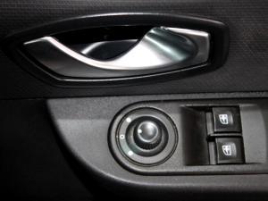Renault Clio IV 1.2T Expression EDC 5-Door - Image 28
