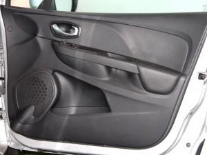 Renault Clio IV 1.2T Expression EDC 5-Door - Image 29