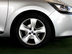 Renault Clio IV 1.2T Expression EDC 5-Door - Image 8