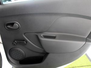 Renault Sandero 900T Stepway Expression - Image 10
