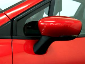 Renault Clio IV 900 T Dynamique 5-Door - Image 35