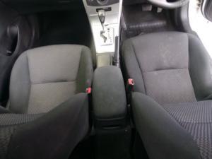Toyota Corolla 1.6 Advanced auto - Image 7
