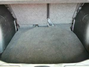 Nissan Livina X-Gear 1.6 Visia - Image 7