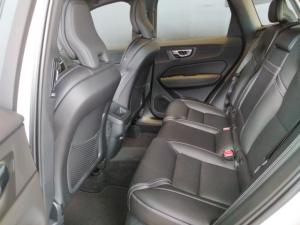 Volvo XC60 D4 AWD Inscription - Image 9