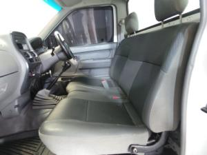 Nissan NP300 Hardbody 2.5TDi - Image 8