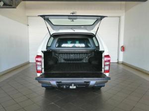 Isuzu KB 300D-Teq double cab 4x4 LX auto - Image 5