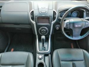 Isuzu KB 300D-Teq double cab 4x4 LX auto - Image 8