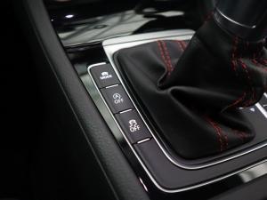 Volkswagen Golf VII GTi 2.0 TSI DSG - Image 18