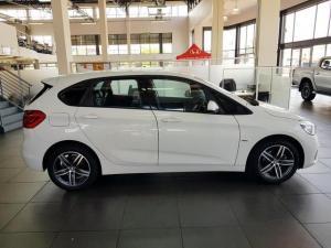 BMW 218i Sport Line Active Tourer automatic - Image 3
