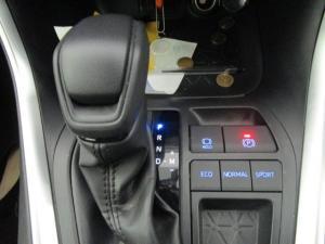 Toyota RAV4 2.0 GX CVT - Image 19