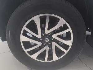 Nissan Navara 2.3D LE automatic D/C - Image 5