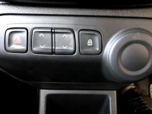 Renault Kwid 1.0 Dynamique 5-Door - Image 17