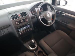 Volkswagen Touran 2.0 TDi Trendline DSG - Image 11