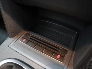 Volkswagen Touran 2.0 TDi Trendline DSG - Image 17