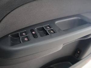 Volkswagen Touran 2.0 TDi Trendline DSG - Image 25