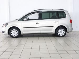 Volkswagen Touran 2.0 TDi Trendline DSG - Image 2