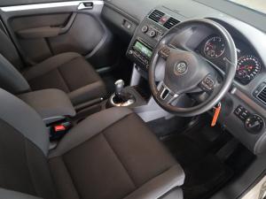 Volkswagen Touran 2.0 TDi Trendline DSG - Image 9