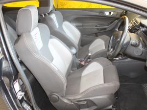 Ford Fiesta ST 1.6 Ecoboost Gdti - Image 13