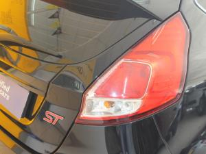 Ford Fiesta ST 1.6 Ecoboost Gdti - Image 18