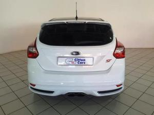 Ford Focus ST 1 - Image 4