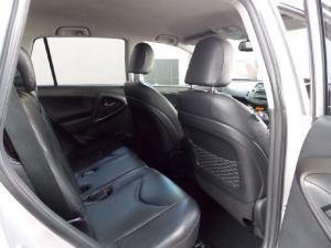 Toyota RAV4 2.0 VX auto - Image 2