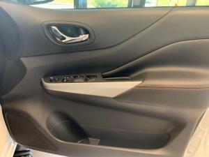 Nissan Navara 2.3D Stealth automatic D/C - Image 12