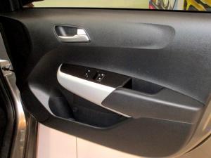Kia Picanto 1.0 Style automatic - Image 13